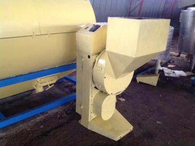 Машина для резки корнеплодов на соломку А9-КР2-В